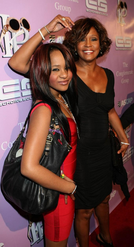 Whitney i Bobbi Kristina skončily tragicky.
