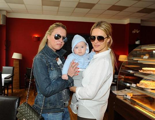 Simona Krainová má ke své sestře Yvonně velmi blízký vztah.