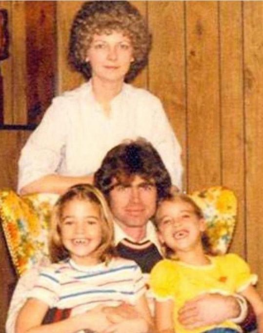 Herečka s rodiči a sestrou Michelle, maminku jí vzala rakovina.