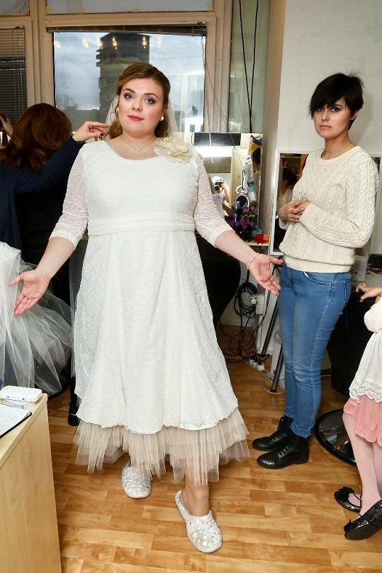Lucie Polišenská ve svatebních šatech