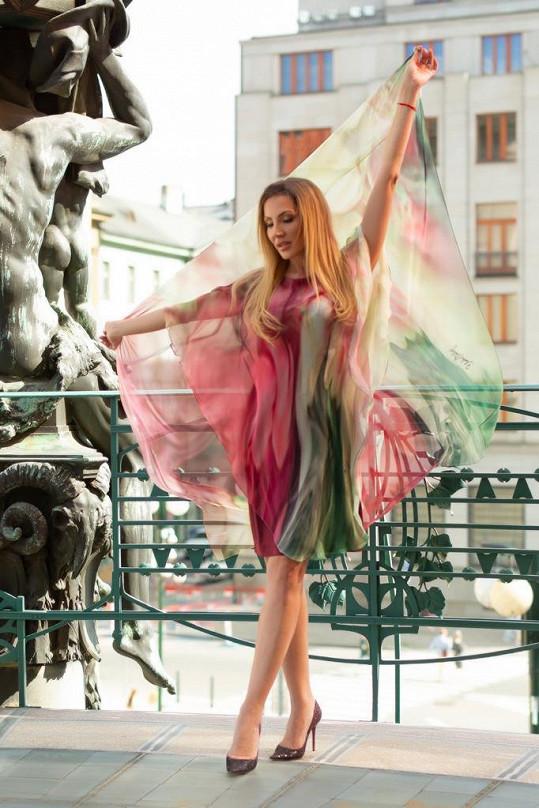 Zpěvačka je fanynkou tvorby Blanky Matragi.
