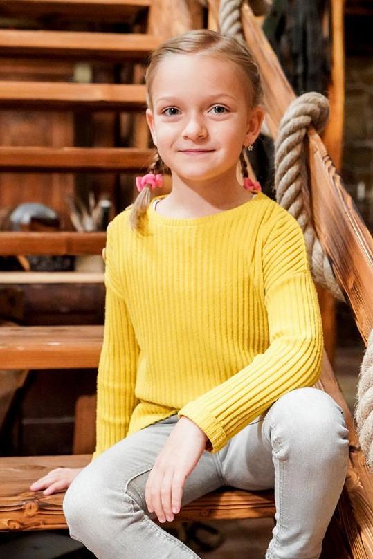 Adélka hraje ve Slunečné dceru Sylvy Popelkové.