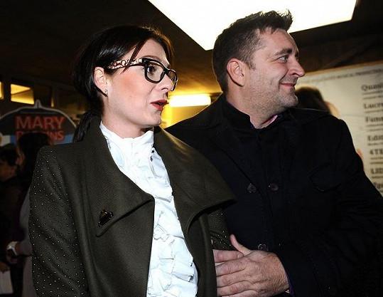 Dorazil i expřítel Absolonové, restauratér Jaroslav Haštava s přítelkyní, modelkou Terezou Zimovou.