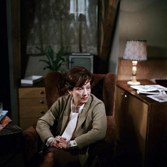 Dana Medřická v seriálu Nemocnice na kraji města coby svérázná doktorka Fastová