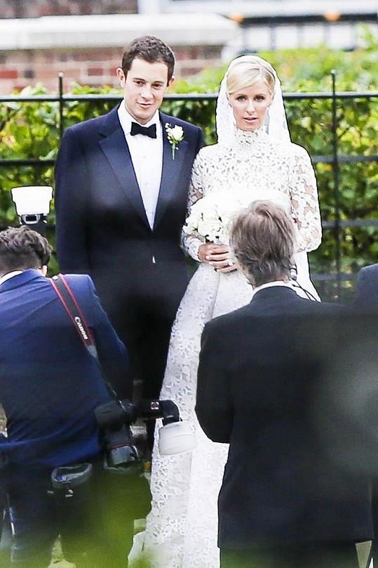 Nicki a James měli pompézní svatbu.