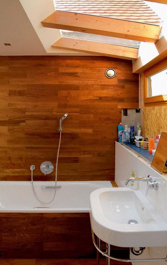Koupelna obložená dřevem
