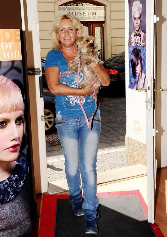 Hanka dorazila do salonu i s milovanou Žanetkou.
