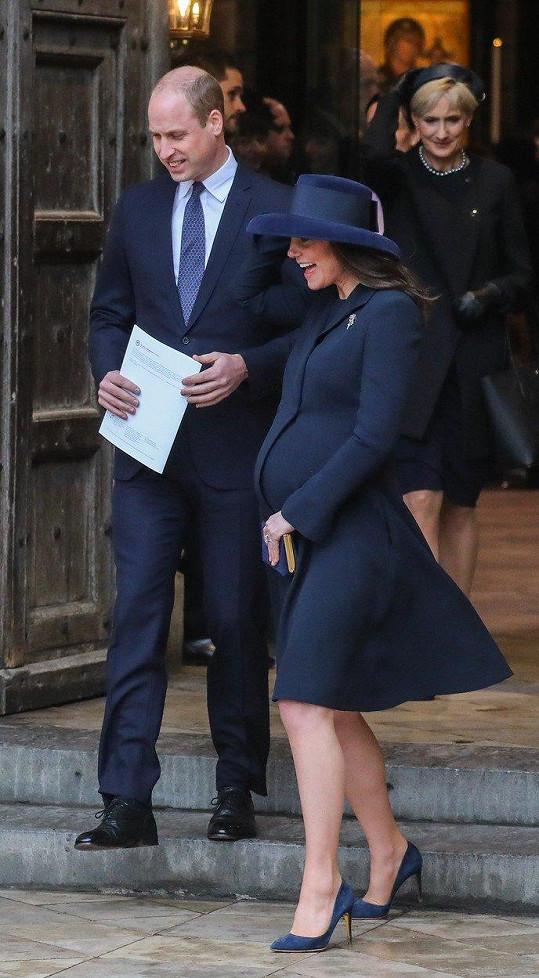 Kate čeká v dubnu třetí porod.