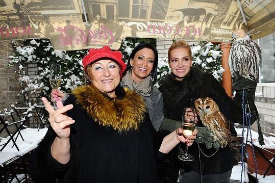 Dara, Halina Pawlowská a Gábina Partyšová na křtu ptáků.