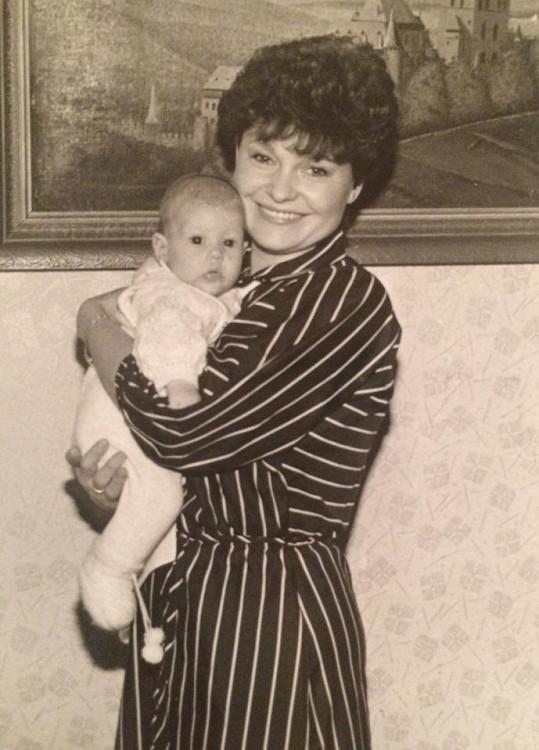 Malá Tereza Kerndlová s milovanou maminkou