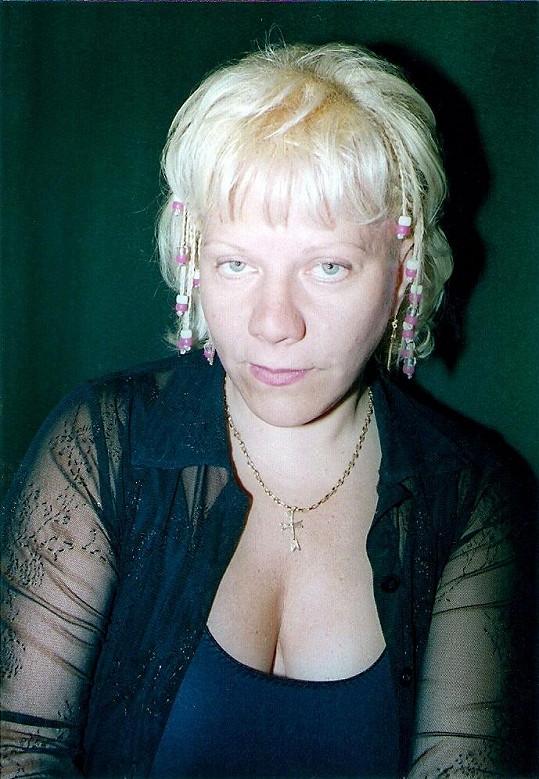 V 50 letech si v Dominikánské republice nechala udělat copánky (2005).