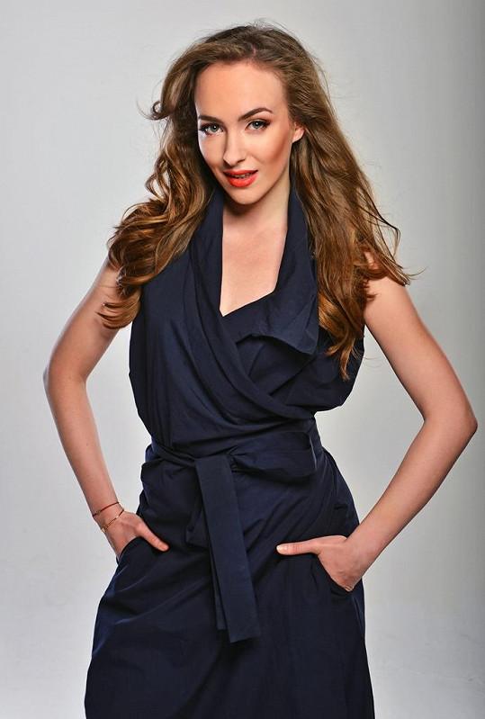Elizaveta Maximová nafotila sexy křivky.