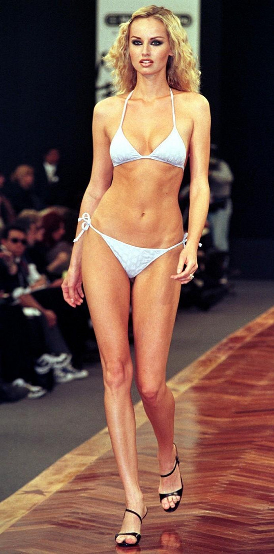 Adriana Sklenaříková bývala majitelkou nejdelších nohou.