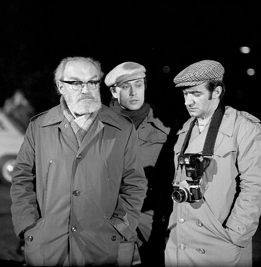 Karel Houska, Antonín Procházka a Jan Faltýnek v seriálu Malý pitaval z velkého města, který reprízuje Česká televize.