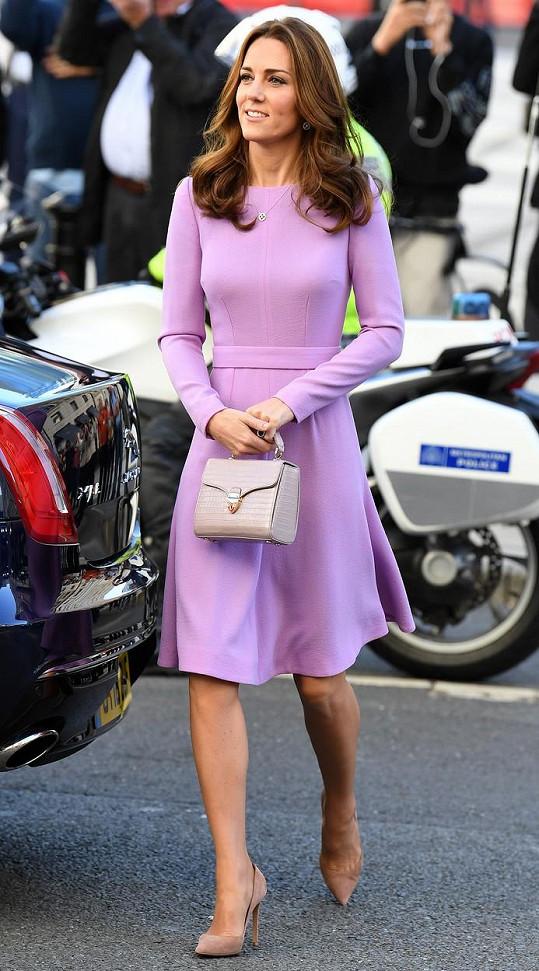 Modely Emilie Wickstead obléká vévodkyně často.