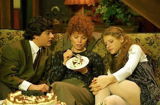 Jitka si v roce 1998 zahrála s Filipem Rajmontem a Janou Janěkovou v seriálu Nováci.