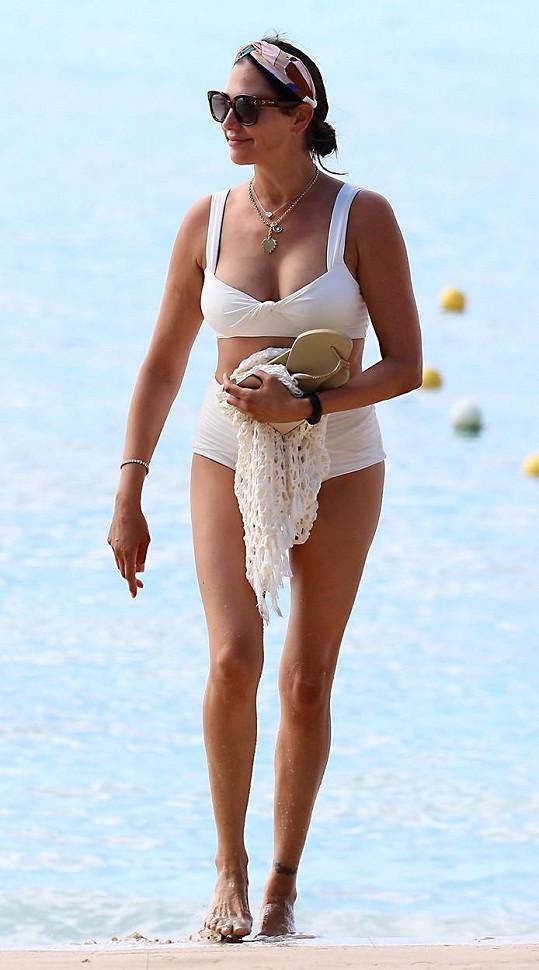 Lauren Silverman vypadá v bikinách skvěle.
