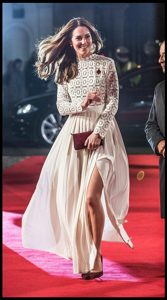 Premiéra Kocoura Boba patřila Kate a jejím nekonečně dlouhým nohám.