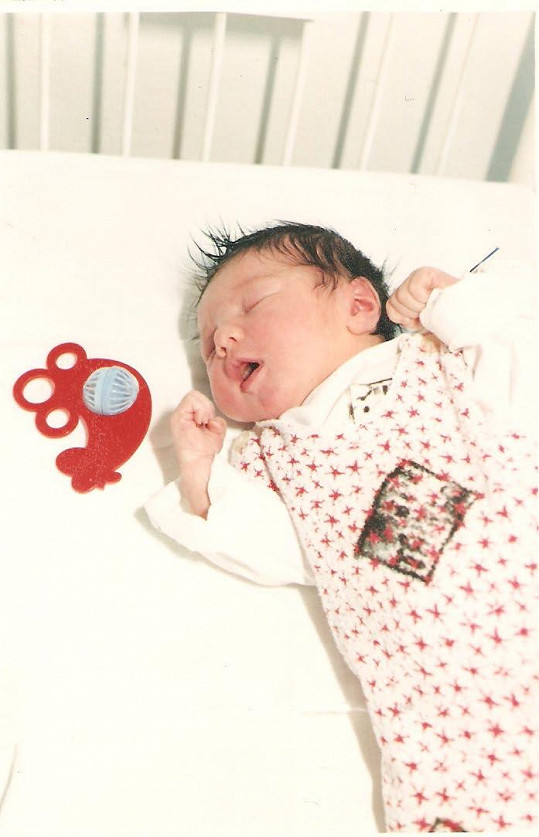 Zpěvačka Ewa Farna jako roztomilé miminko.