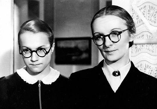 Adina Mandlová a Světla Svozilová v Mravnosti nade vše, Svozilová hrála maminku Mandlové (vlevo).