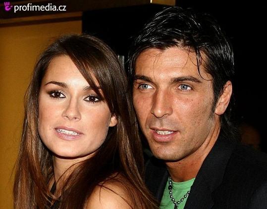Alena Šeredová se svým partnerem Gianluigim Buffonem.