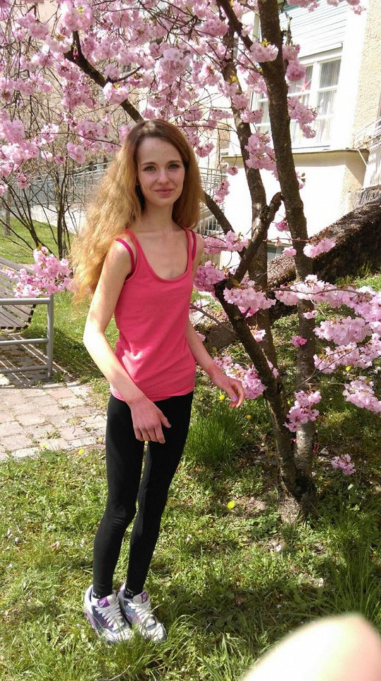 Anorektička Lina Baier v patnácti letech
