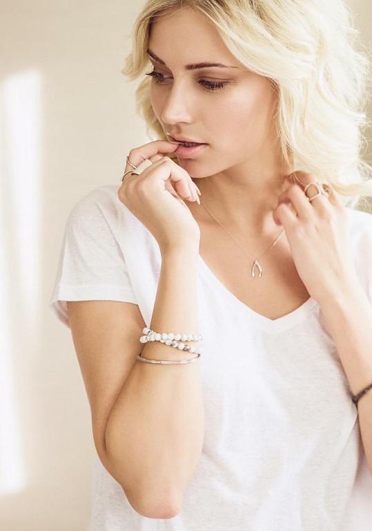 Nikola na modeling nezanevřela. Stala se českou tváří značky šperků.
