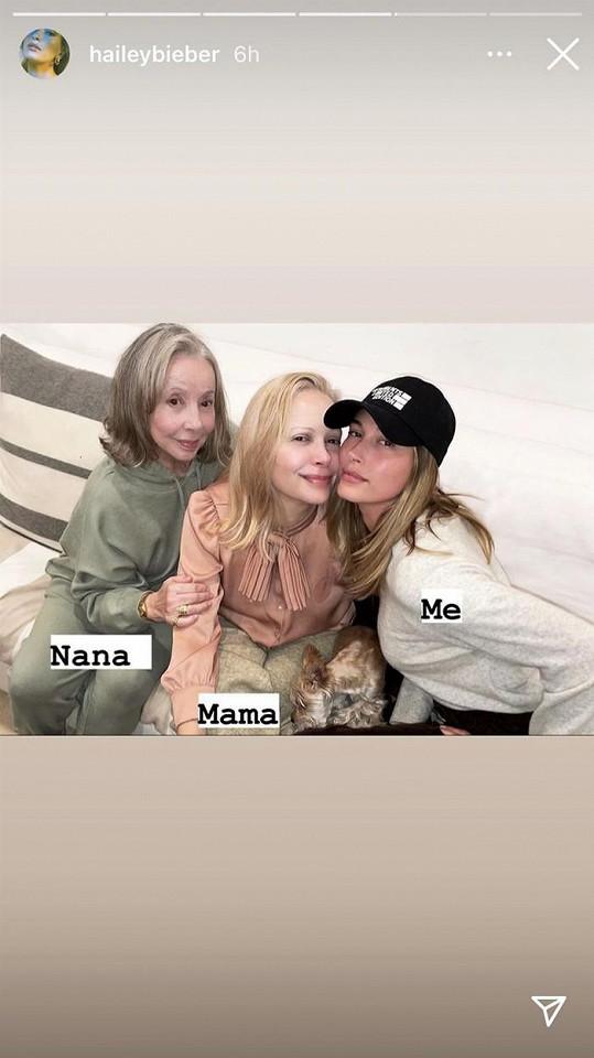 Hailey Bieber se pochlubila maminkou a babičkou.