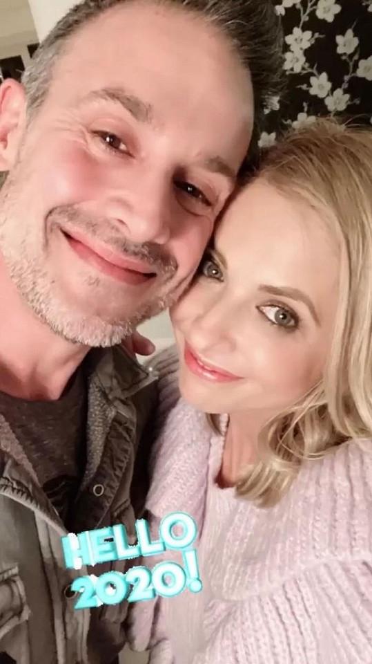 Seriálová Buffy je už 18. rokem v manželství s hereckým kolegou Freddiem Prinzem Jr.