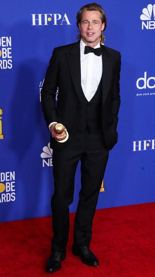Se značkou Brioni spolupracuje Brad léta, jejich model oblékl například na loňské udílení Zlatých glóbů.