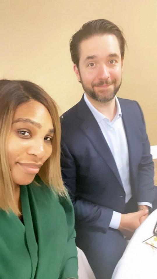 """Internetového podnikatele Alexise Ohaniana Serena Williams potkala v restauraci, když si k ní bez pozvání přisedl. Jsou spolu už """"pět nebo šest let""""."""