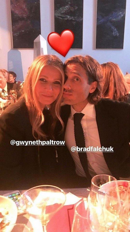 Gwyneth Paltrow se provdala za Brada Falchuka.