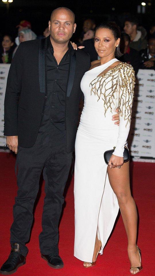 Mel B prochází nepěkným rozvodem se Stephenem Belafontem.