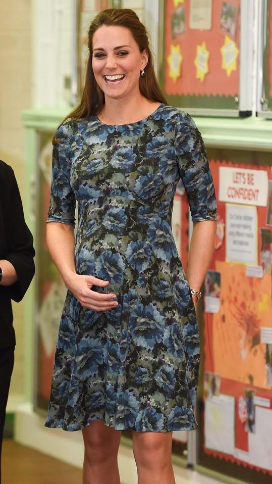 Kate už na veřejnosti s bříškem dlouho vídat nebudeme.