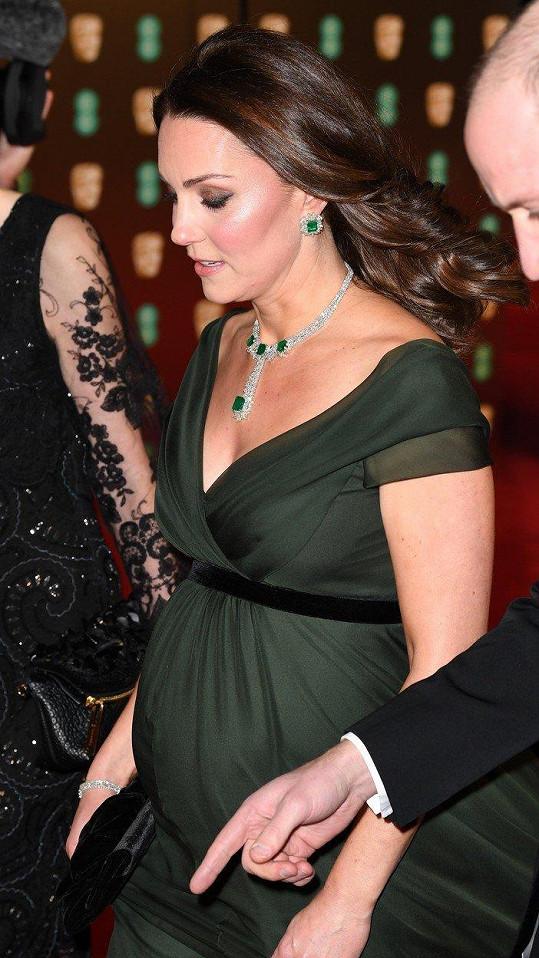 Vévodkyně za dva měsíce porodí třetí miminko.