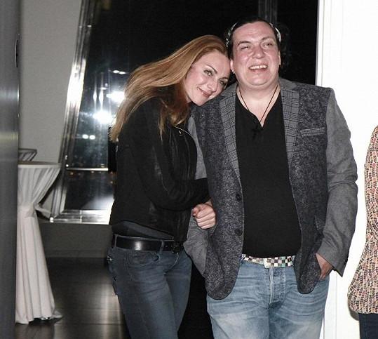 Geňa s přítelkyní Markétou minulý týden na párty.