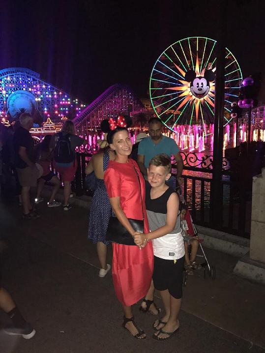 Gábina Partyšová zahájila velkou americkou dovolenou v Disneylandu.