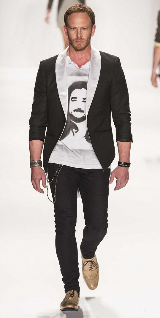 V New Yorku zazářil jako model.