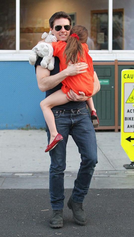 Tom Cruise se dříve prezentoval jako spokojený tatínek.