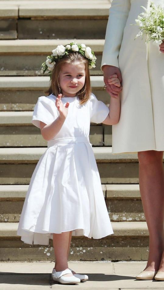 Na svatbě prince Harryho šla také za družičku.