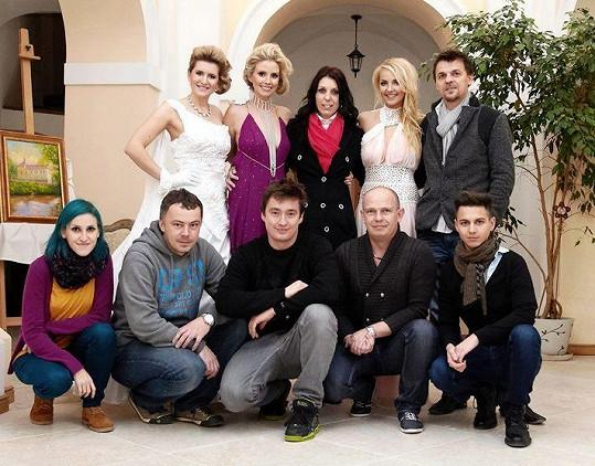 Moderátorky s Petrou Pilařovou a realizačním týmem.