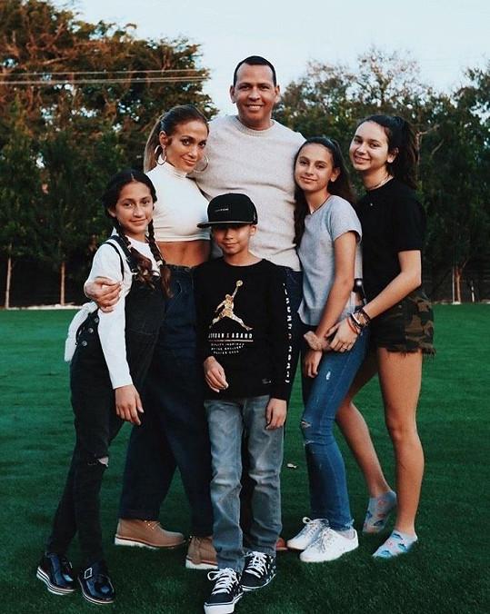 Lopez s dvojčaty a Rodriguez s dcerami Ellou a Natashou