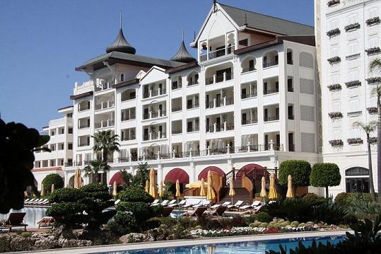 Mardan Palace je nejluxusnější hotel v Evropě.