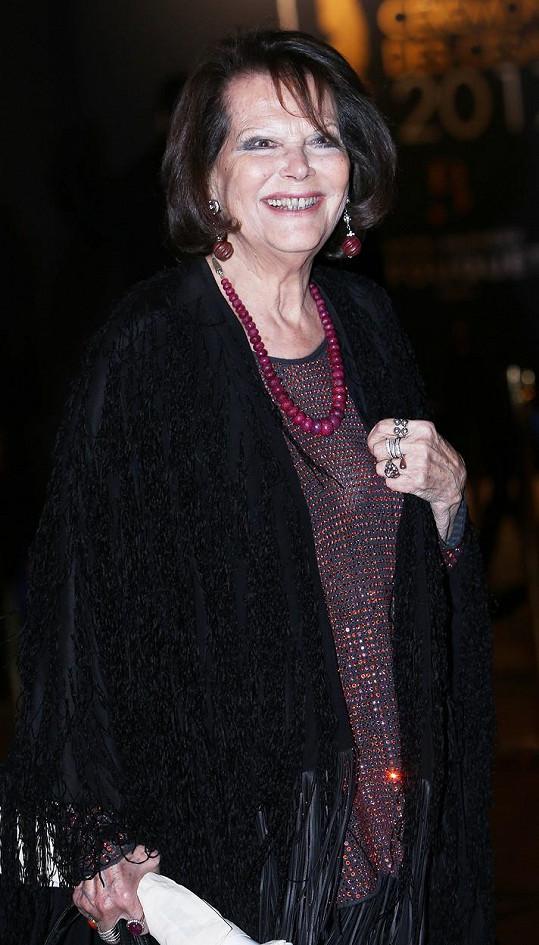 Claudia Cardinale je ráda ve společnosti.