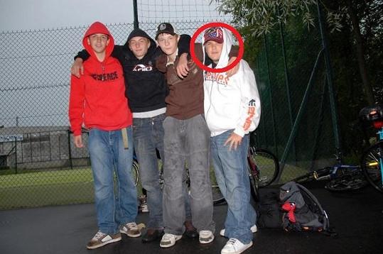 V pubertě by se za Matějem mnoho dívek zálibně neotočilo...