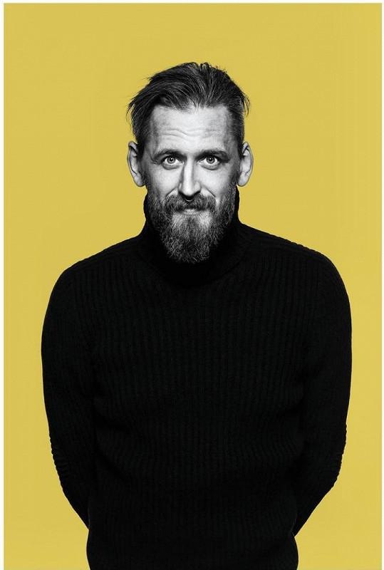 Tomáš Třeštík na snímku z přebalu své knihy Po povrchu