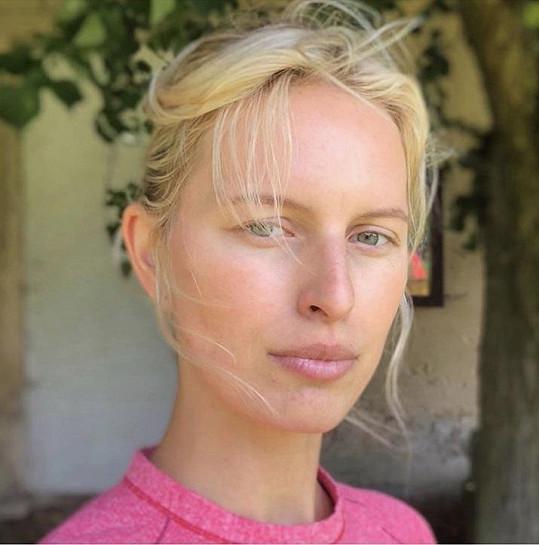 Karolína Kurková se předvedla bez make-upu.