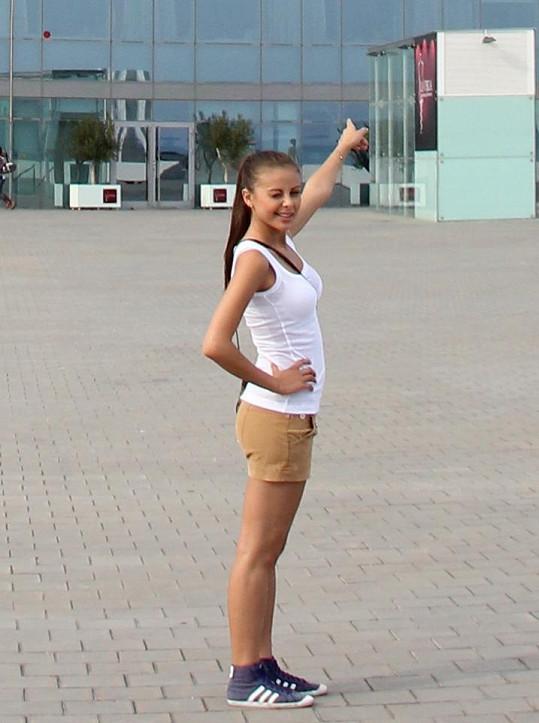 Monika Bagárová má skvělou postavu.