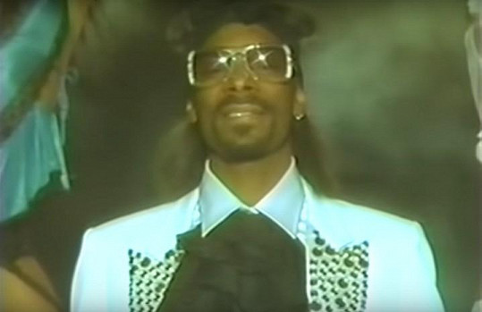 Snoop Dogg v klipu k písni Sensual Seduction.
