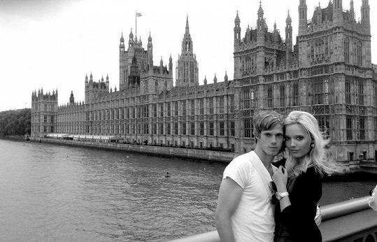 Kristýna Pumprlová a Tomáš Kalas se dali dohromady v Londýně.